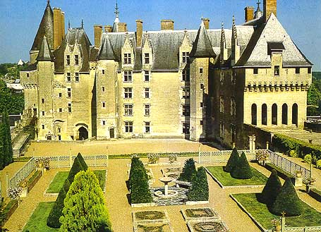 Замок Ланже, Франция